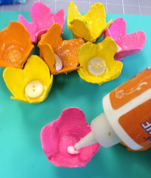 цветы из яичной упаковки мастерим картину с детьми