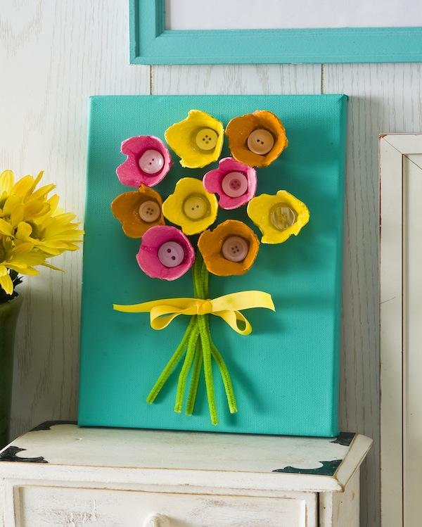 картина букет цветы из упаковки из-под яиц